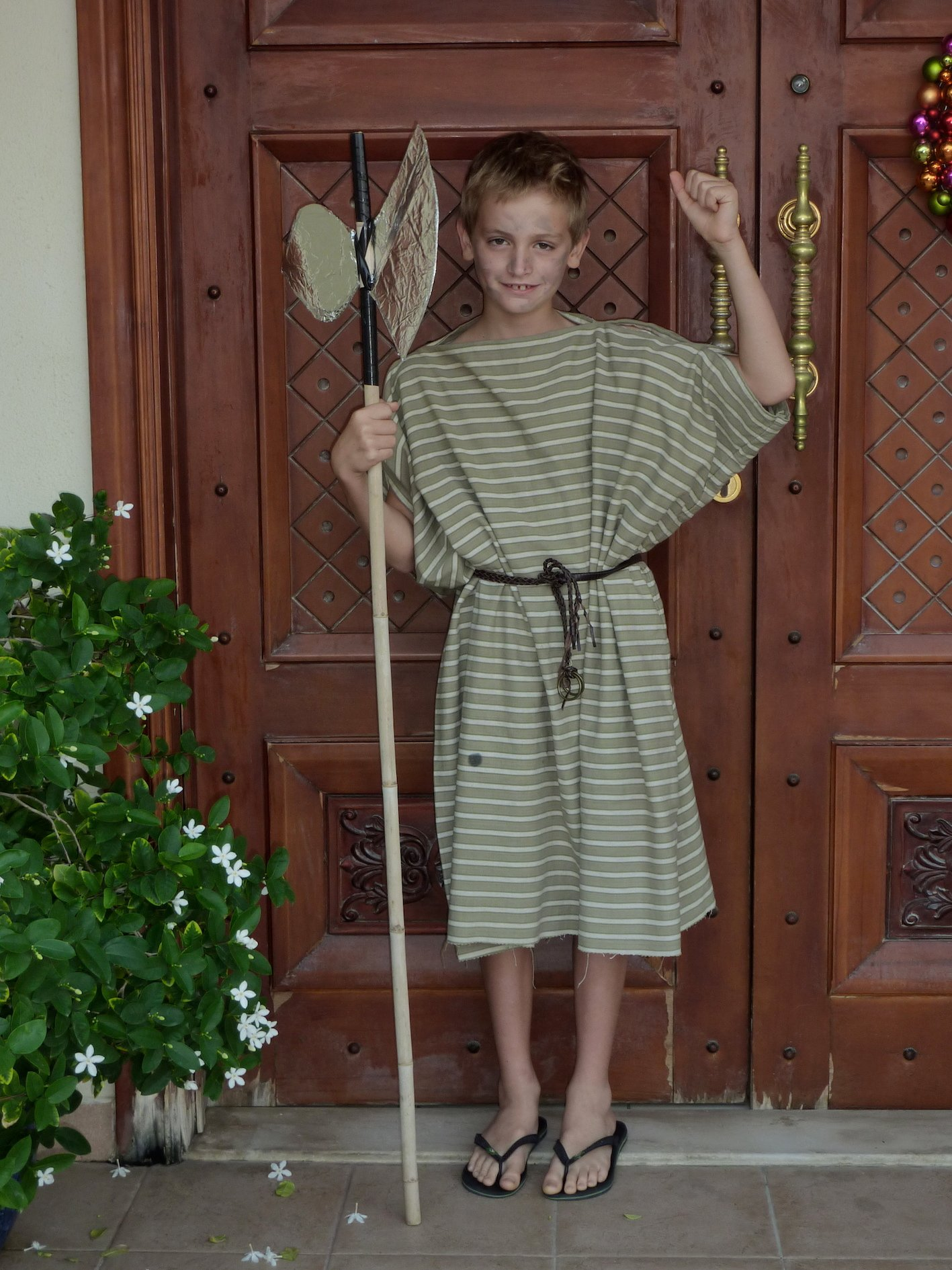how to make a male toga out of a sheet