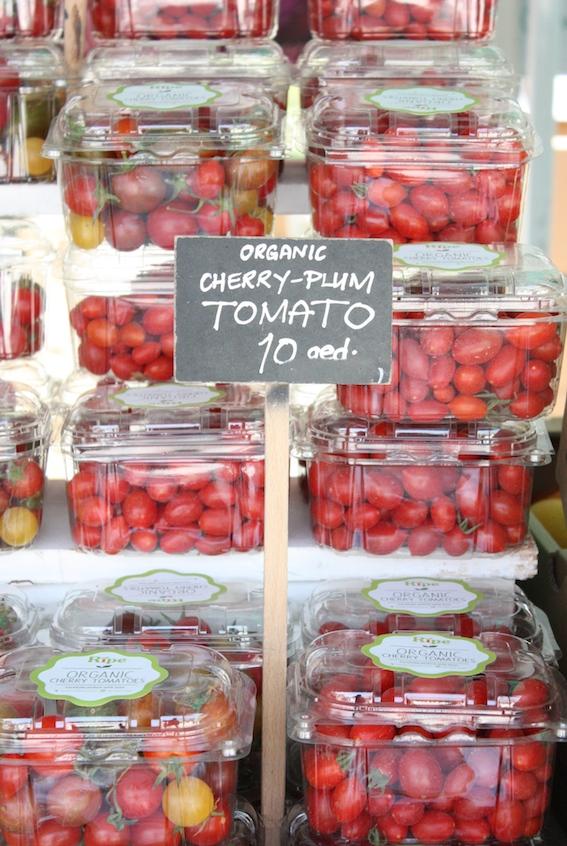 ripe-market-tomatoes