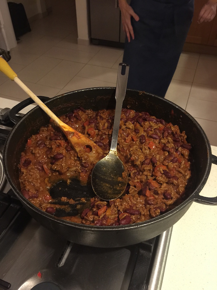 WK7TTD-chilli-in-pan