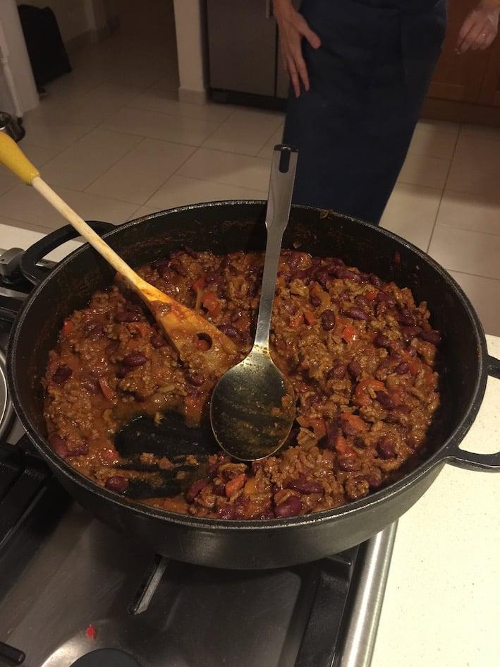 WK7TTD-chilli-in-pan