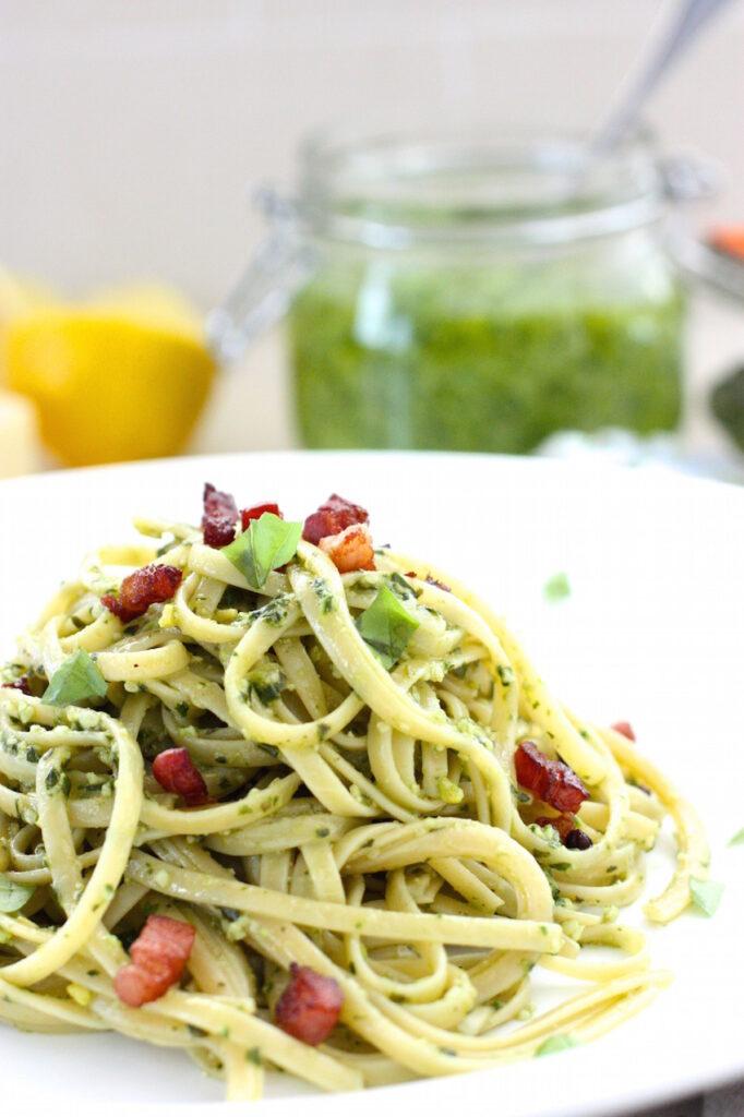homemade-pesto-with-spaghetti