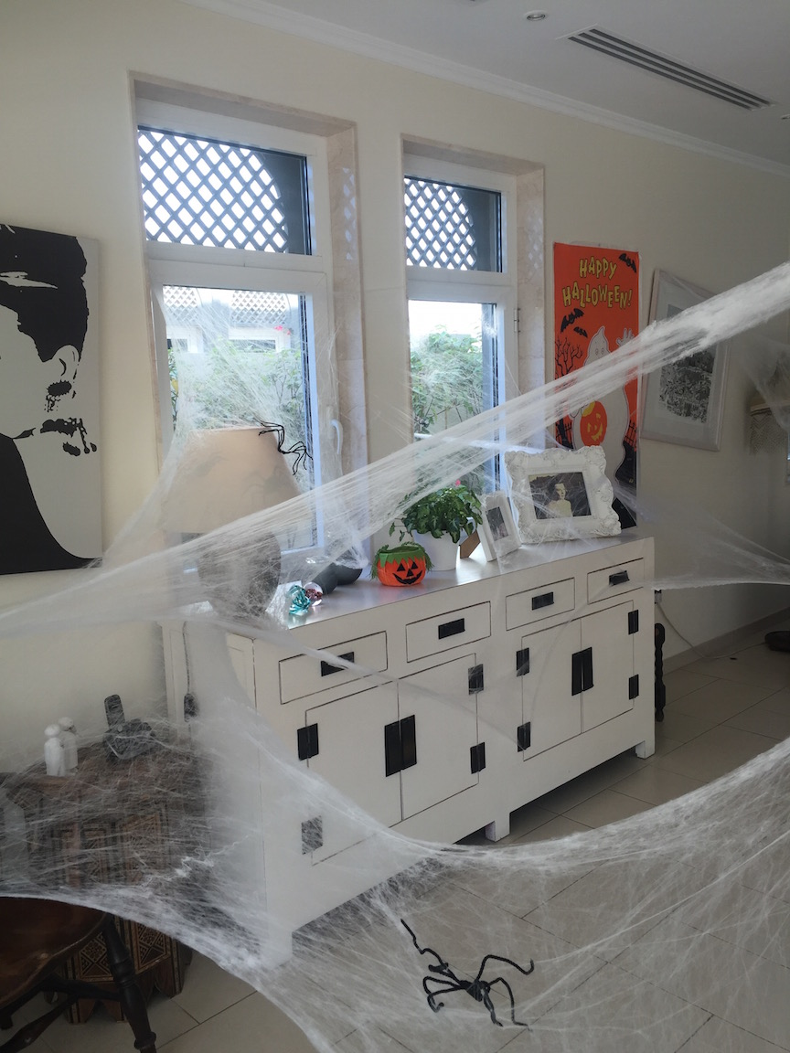 no fuss halloween party - cobwebs and spiders