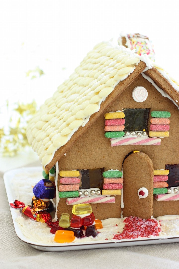 gingerbread-house-cover