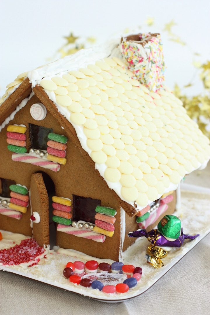 gingerbread-house-right-side