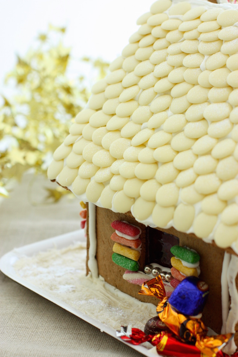 gingerbread-house-roof